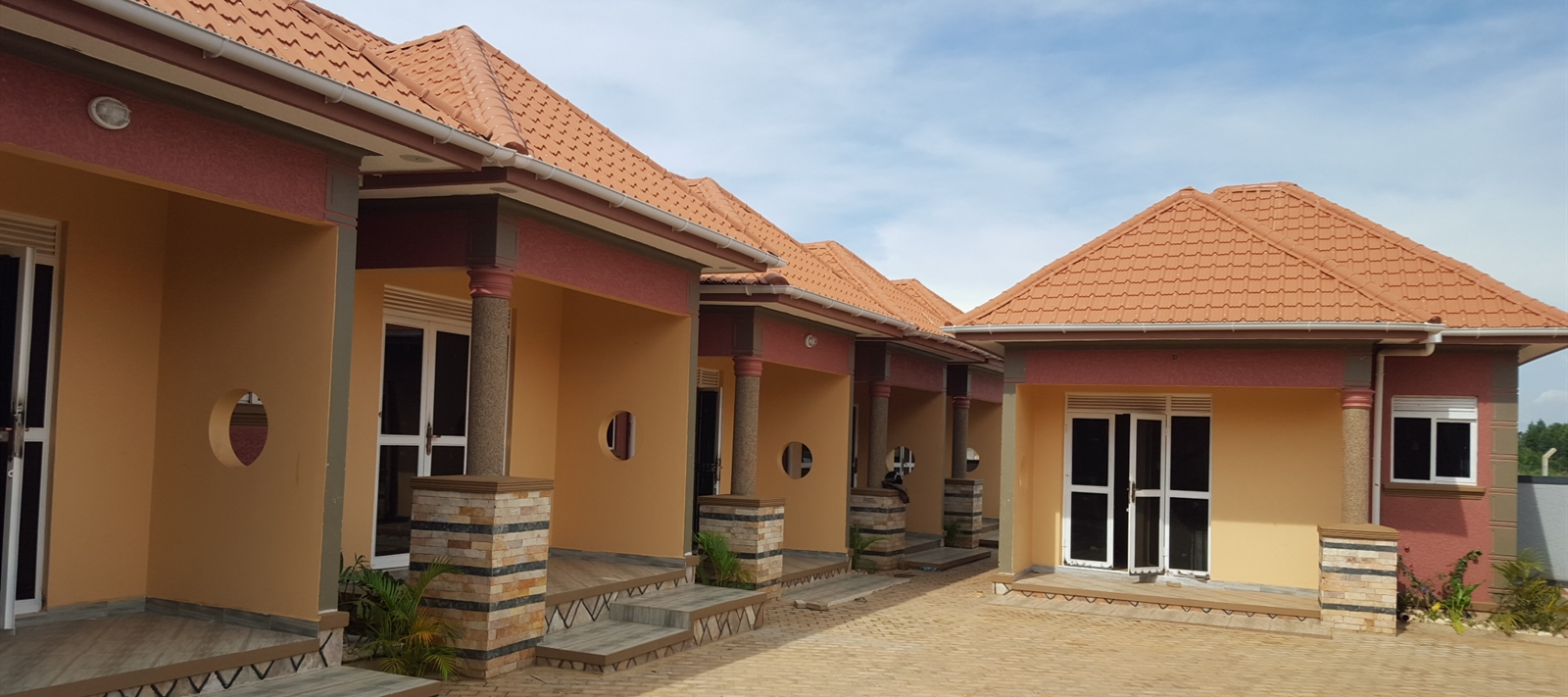 Semi-detached units for rent in Kungu.
